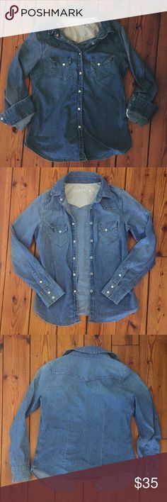 GAP 1969 vintage chambray denim shirt EUC small Up for sale!  Vintage style GAP 1969 chambray denim shirt with snap buttons- in EUC- worn only a couple of times from a pet free smoke free home- this is a wardrobe staple-  I just have so many denim shirts and need to minimize my closet-  Looking for a great home  Bundle to save! Not Madewell tagged for exposure Madewell Tops Button Down Shirts