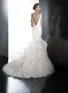 White Lily Couture Pronovias Precious Bridal Gown