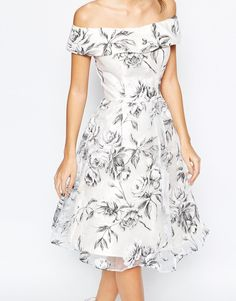 Buy Chi Chi London Off Shoulder Midi Dress in Organza at ASOS. With free delivery and return options (Ts&Cs apply), online shopping has never been so easy. Get the latest trends with ASOS now. Unique Dresses, Pretty Dresses, Formal Dresses, Chi Chi, Asos Dress, I Dress, Off Shoulder Gown, London Outfit, Bridesmaid Dresses