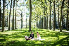 Picknick in the park, bruiloft Eindhoven, fotoshoot buiten