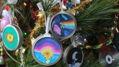What's more memorable than a homemade Christmas ornament? Make your own mason jar lid ring ornament with these DIY plans. Christmas Ornament Crafts, Christmas Candles, Christmas Bulbs, Clear Ornaments, How To Make Ornaments, Hat Crafts, Toilet Paper Roll Crafts, Mason Jar Lids, Homemade Christmas