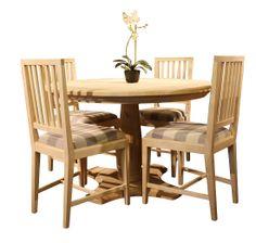JUVIn pyöreä Rooma-pöytä ja Loviisa-tuolit. Pöydän halkaisija 100, 120 tai 140 cm. #habitare2014 #design #sisustus #messut #helsinki #messukeskus