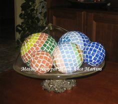 Bolas revestidas com mosaico