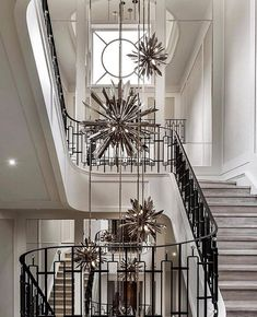 FR 💫 *Staircase Design* Walk this way. A stunning collection of staircases to inspire your design choices