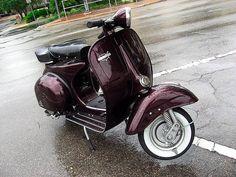 Allstate Vespa scooter, seen in Florida. My own photo. Vespa Vbb, Vespa Lambretta, Motor Scooters, Vespa Scooters, Italian Scooter, Scooter Motorcycle, Old Tires, Italian Beauty, Motorbikes