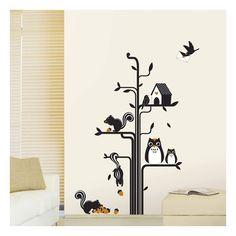Leuke muursticker met uilen, eekhoorns en vogels rondom een boom.