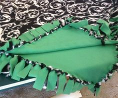 How to Make a No Sew Fleece Blanket (W/out Bulky Knots) - Snapguide