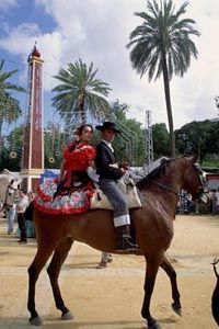 Where else can you see traditional flamenco dress and incredible horse showmanship? The Jerez Horse Fair. Riding Habit, Maybe Tomorrow, Horse Costumes, Country Scenes, Travel Brochure, Spain And Portugal, Medieval Castle, Pretty Horses, Andalucia