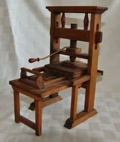 HISTORY Of WRITINGGutenberg Press Model Kit Museum Quality Scale The Century Printing That Changed World Includes 85 Hardwood Parts
