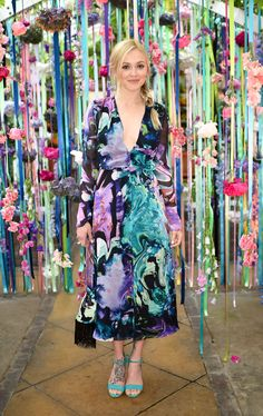Ferne Cotton wears the Matthew Williamson marble silk chiffon V-neck shirt dress to the LikeToKnow.it summer party.