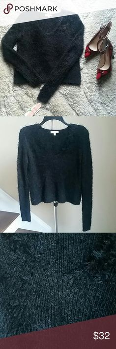 "BG Sweater Beautiful sweater by Gianni Bini. 52% Polyester, 48% Nylon. Approx.measurements: Size L: bust 36"" (stretches more), length 20"". Sleeve length 25"". ??Price Firm!?? GB Sweaters"