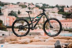 Nukeproof Mega Pro on test – an enduro bike to make corners go into hiding! Cheap Bikes, Cool Bikes, Canyon Spectral, Air Shocks, Balance Bike, Bike Parking, Almost Perfect, Mtb, Tours