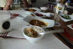 점심은 카레 해 먹기! 갑자기 손님이 오셔서 급 하게 준비함! 점심 맛있게 드세요  Preparing curry for lunch A guest was coming on a short notice so I had to prepare it in a hurry. Have a good lunch.  #일상 #art#초콜릿#카레#kidsplay #deco#cooking#art#gallery#cake#food#미술관#cookie#kids#kidsplay#display#home #flower#디저트#sweet #홈파티#요리#레시피#생일파티#파티음식#디자인샵#편집샵#인테리어#브런치#brunch