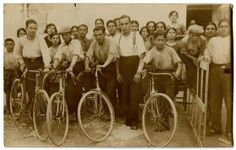 Cycling in Spain - Retronaut