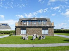 Doon East - A beautiful detached cottage located close to the seaside village of Ballybunion, County Kerry. Stunning View, Beautiful, Seaside Village, Golf Courses, Cottage, Mansions, House Styles, Irish, Home Decor