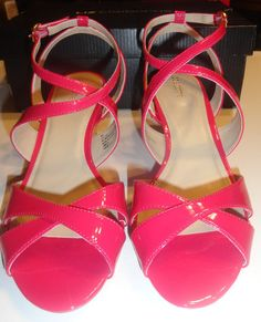 fc63ab4260ae3 Liz Claiborne High Gloss Pink Erin Strappy Sandals Sizes 6.5