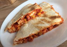Pita Pizzas, Quesadilla, Naan, Winter Food, Hamburger, Bbq, Tacos, Food And Drink, Mexican