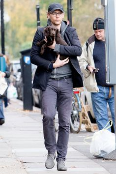 Tom Hiddleston Holds His New Puppy in London, For All to See | Tom + Lorenzo