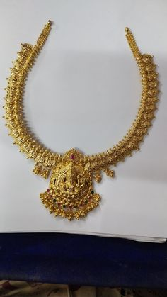 Gold Wedding Jewelry, Gold Jewelry Simple, Bridal Jewellery, Gold Chain Design, Gold Jewellery Design, Gold Earrings Designs, Necklace Designs, Short Necklace, Simple Necklace