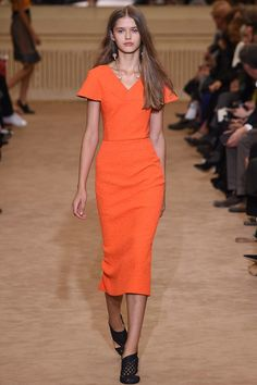 Roland Mouret Spring 2016 Ready-to-Wear Collection Photos - Vogue