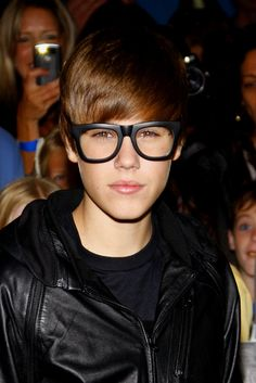 Justin Bieber - Geek Glasses