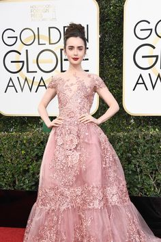 lily-collins-2017-golden-globe-awards-red-carpet-fashion-zuhair-murad-couture-tom-lorenzo-site-4