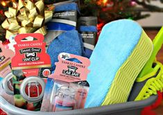 DIY Car Care Gift Basket A car care gift basket is the perfect gift for a car lover, first time car owner or someone who just got a new car. A DIY car care gift basket is a perfect gift Get Well Gift Baskets, Diy Gift Baskets, Get Well Gifts, Raffle Baskets, Theme Baskets, Strip Steak, Design Autos, Yankee Candle Scents, Boyfriend Gift Basket