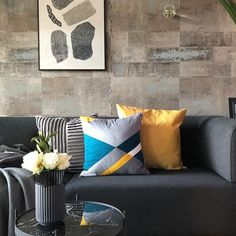 Ana ▪️ (@homedesignbyana) • Instagram-Fotos und -Videos Couch Magazin, Color Combos, Cushions, Throw Pillows, Bed, Furniture, Videos, Happy, Pattern