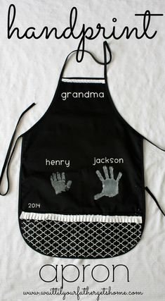 Hand Print Apron for Mother's Day made with Cricut Explore -- Wait Til Your Father Gets Home. #DesignSpaceStar Round 2