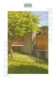 Rustikales Design trifft moderne Praktikabilität. Unser Aluminiumzaun MERLIN ist auch in Holzoptik zu haben. Der große Vorteil zu einem klassischen Lattenzaun ist aber, dass man ihn dank der GUARDI Oberflächenbeschichtung nie wieder streichen muss! Merlin, Sidewalk, Split Rail Fence, Aluminum Fence, Rustic Design, Fence Ideas, Side Walkway, Walkway, Walkways