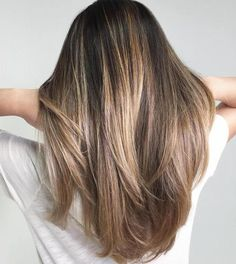 20 Inspiring Blonde Balayage Hair Ideas For 2019 – We have the latest on how to get the haircut, hair color, and hairstyles you want for the season! 20 Inspiring Blonde Balayage Hair Ideas For 2019 20 Inspiring Blonde Balayage Hair Ideas For 2019 Balayage Straight Hair, Hair Color Balayage, Brown Balayage, Blonde Ombre, Balayage Bob, Blonde Color, Straight Hair Highlights, Balayage Highlights, Subtle Balayage