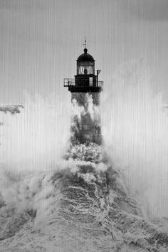 Alu Brossé Le phare d'Ar-Men - tempête Petra 2014 Philip Plisson