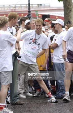 Prince William Warming Up As He And Prince Harry Join Celebrities And Members Of The Public For A 1 Mile Fun Run Alongside The River Thames To Raise Money For The Charity Sport Relief. Prince William And Catherine, William Kate, Prince Harry Pictures, Thing 1, Two Brothers, Backstreet Boys, British Monarchy, Duchess Kate, Prince Charming