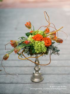 Pewter is sophisticated and modern. Modern Vases, Floral Arrangements, Pewter, Florals, Valentines Day, Table Decorations, Home Decor, Tin, Floral