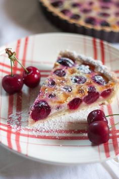Tarte alsacienne aux cerises Back in France I are this dish all the time soo yummy French Desserts, Just Desserts, Dessert Recipes, Sweet Pie, Sweet Tarts, Desserts With Biscuits, Quiches, Yummy Cakes, Love Food