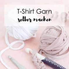 ars textura DIY Ideen You can easily make your own T-shirt yarn out of old T-shirts. Diy Clothes Videos, Old Clothes, Tee Design, Logo Design, Tee Shirt Fila, Make Your Own, Make It Yourself, How To Make, Tshirt Garn