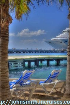 🔺🔺🔺 Get a cruise 🚢🚢🚢 for half price or even for free!❤❤❤ Real deal!🌎🌎🌎 CLICK for more details.🌎🌎🌎 Parked in Cozumel by m_powers, via Flickr