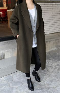 love this layered winter style
