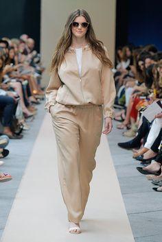 Adolfo Domínguez +  Prêt à Porter Primavera/Verano 2016 Big Fashion, Vogue Fashion, Curvy Fashion, Plus Size Fashion, Womens Fashion, Fashion Tips, Moda Plus Size, Trendy Plus Size, Plus Size Women
