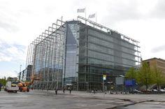 Kriisiyhtiö Sanoma Oyj:n osakekurssi laski Harri-Pekka Kaukosen toimitusjohtajakaudella 77 prosenttia. Hyvällä tahdollakaan ei voi sanoa, että pörssiyhtiön kehitys olisi mennyt suunnitellusti. Erkkojen mahtisuvun perintö on kadonnut suurelta osin taivaan tuuliin.