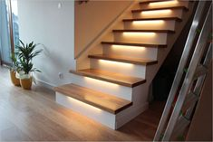 Schody na beton podświetlone Concrete Stairs, Wood Stairs, House Stairs, Home Room Design, Interior Design Living Room, Living Room Designs, Staircase Makeover, Stair Lighting, Modern Stairs
