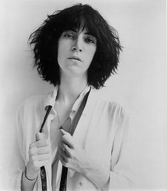 https://gerryco23.files.wordpress.com/2010/01/patti-smith-robert-mapplethorpe1975.jpg?w=725