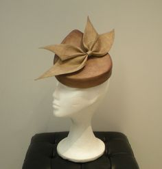 Couture fascinator with custom bow. €120.00, via Etsy. #spanishcraft