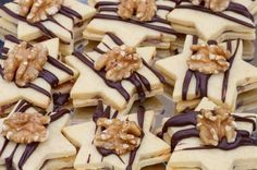 Mogyorókrémes csillag Hungarian Desserts, Hungarian Recipes, Cake Table, Cookie Exchange, Christmas Goodies, Nutella, Sweet Recipes, Dessert Recipes, Food And Drink