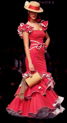 Inspiration for the Flamenca dress – Pauline Alice Costume Flamenco, Flamenco Dancers, Flamenco Dresses, Mode Renaissance, Spanish Dress, Casual Dresses, Fashion Dresses, Spanish Fashion, Scarf Dress