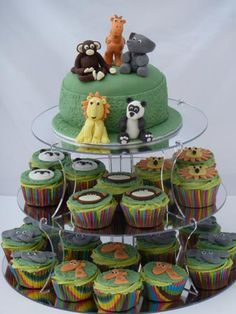 Jungle themed cupcakes and cake..