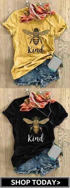 Womens Bee Print Top Womens Cotton T-Shirt Mode Disco, Mode Cool, Mode Chanel, Fru Fru, Casual Outfits, Fashion Outfits, Looks Style, Mode Style, What To Wear