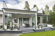 Iga ruutmeeter on hoolikalt läbi mõeldud - Moodne Kodu Outdoor Living, Outdoor Decor, Gazebo, House Plans, Villa, New Homes, Outdoor Structures, Landscape, Patio Ideas