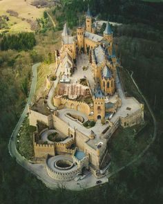 Beautiful Castles, Beautiful Buildings, Beautiful Places, Star Fort, Places To Travel, Places To Visit, Chateau Medieval, Germany Castles, Medieval World