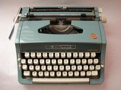 Vintage 60s Wizard Manual Typewriter - to use as a wedding guest book alternative